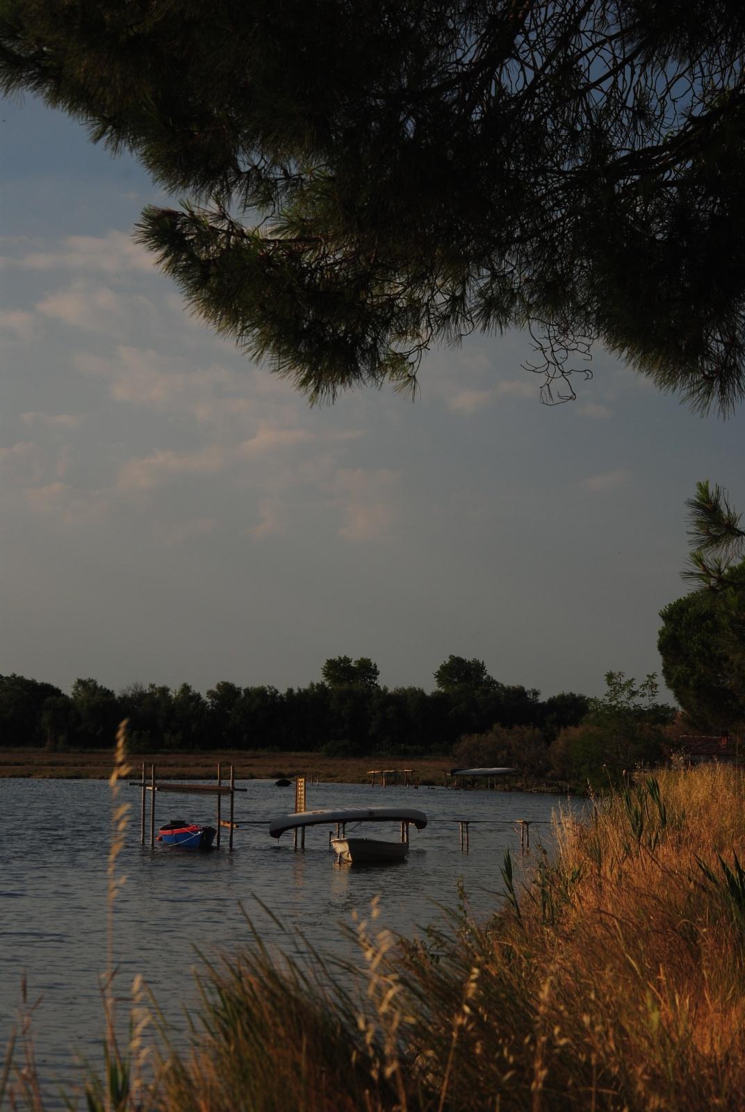 scorci, barche, vedute sulla Baiona da Marina Romea